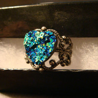 Victorian Style Faux Druzy / Drusy Heart Ring in Antique Silver - Adjustable (1490)