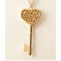 Cutout Heart Key Long Necklace
