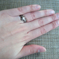 sterling silver ring with heart and filigree detail, size 6