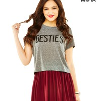 BESTIES CROPPED GRAPHIC T