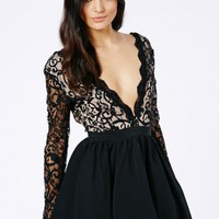 Missguided - Dayana Lace Sleeve Puff Ball Dress