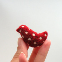 Felt brooch Red bird with white polka dots  needle by AgnesFelt