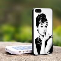 Audrey Hepburn - For iPhone 5 Black Case Cover