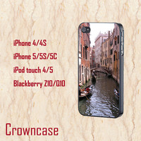 ipod 5 case,ipod 4 case,iphone 5s case,iphone 5c case,iphone 5 case,iphone 4 case,z10 case,q10 case--Venice Italy Gondola,in plastic.