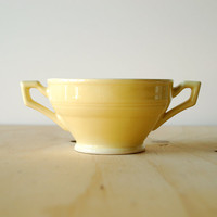 Vernon Kilns Early California Sugar Bowl in Pale Yellow Vintage Pottery