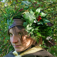 READY TO SHIP - green headpiece faery tales elf elves Fantasy Renassaince Pagan spring wiccan leaf red berries forest