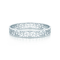 Tiffany & Co. - Tiffany Enchant™ narrow bangle in sterling silver, medium.