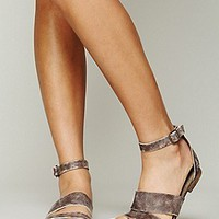 Free People Womens Crowe Distressed Sandal -
