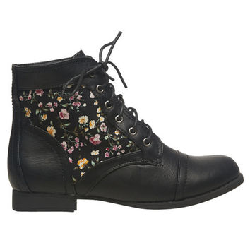 Floral Inset Short Boot | Wet Seal