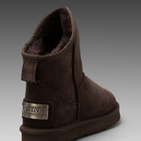 Australia Luxe Collective Cosy Extra Short with Sheep Shearling in Chocolate