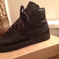 Black Medium Grey Nike Blazer Mid Top GS Size 5.5Y WO Box
